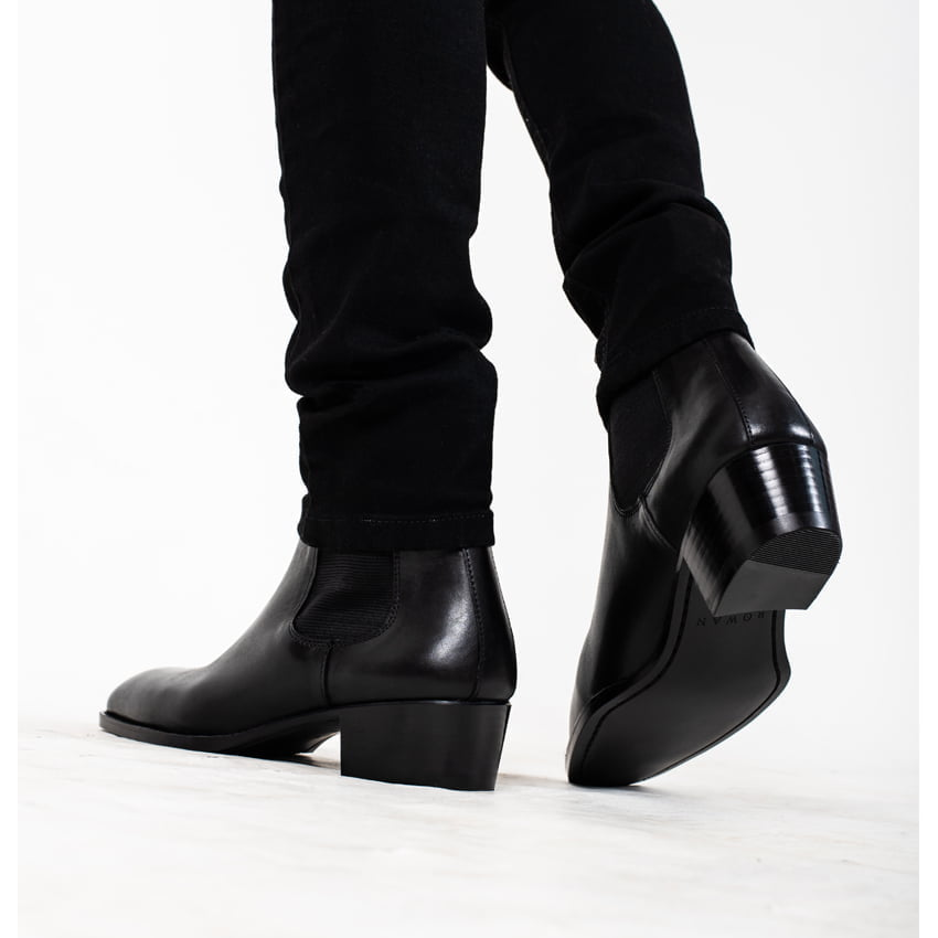 Leather Chelsea Boots In Black Leather Chelsea Boots In Black SS2020 4