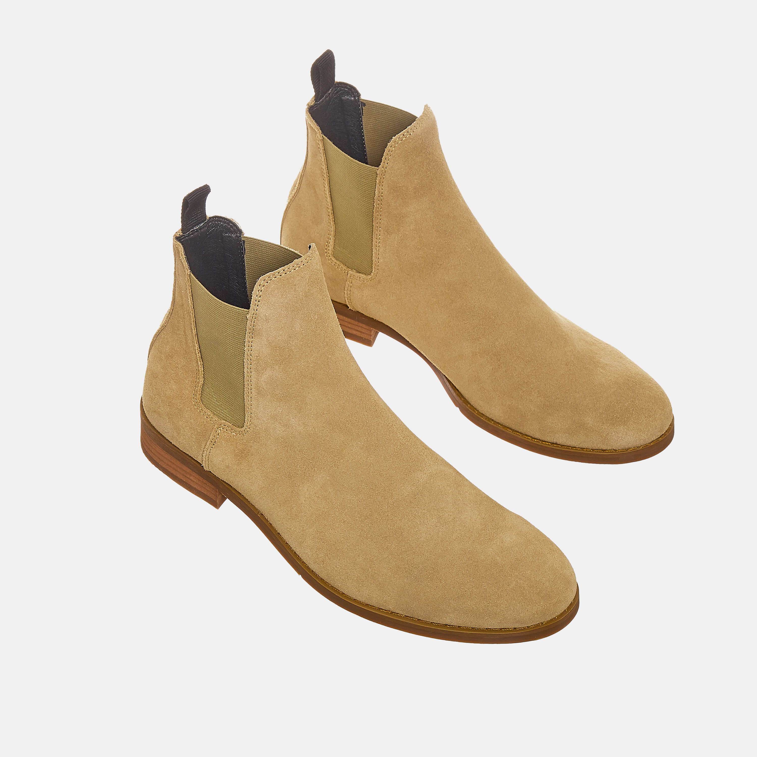 Suede Chelsea Boots In Tan Color Suede Chelsea Boots In Tan Color 3