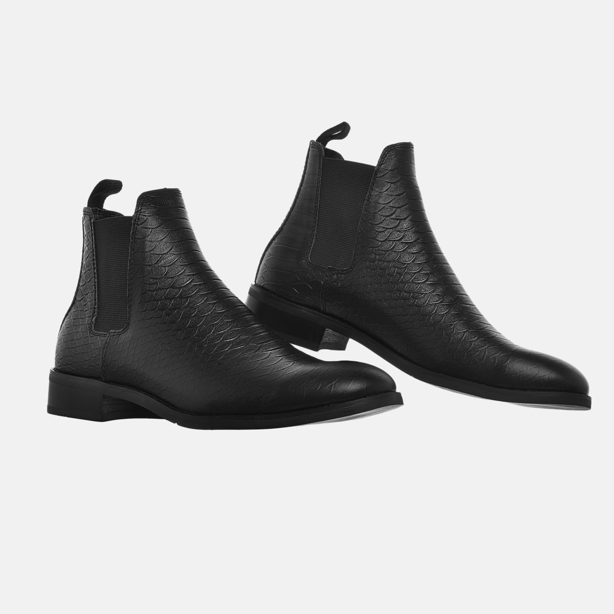 The Wild Chelsea Boots In Black The Wild Chelsea Boots In Black 2